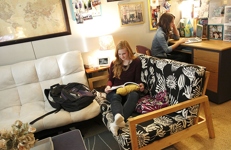 USF students studying in the dorms.